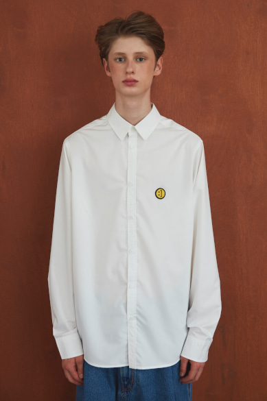 SM:]E PATCH SHIRT WHITE