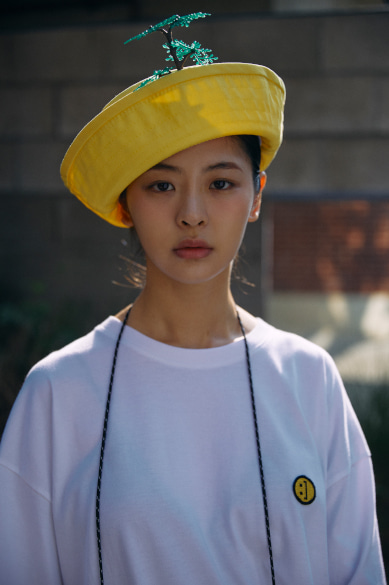 [7/9일 예약배송] SM:]E PATCH OVERSIZED T-SHIRT WHITE