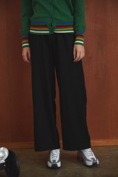 [송강 착용] LOOSE WIDE BANDING PANTS BLACK
