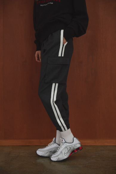 SIDE TAPE CARGO JOGGER PANTS CHARCOAL
